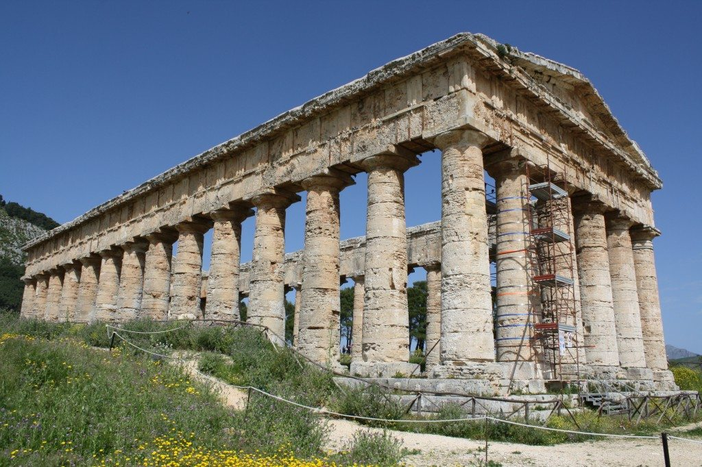 The Doric temple of Segesta, north-west Sicily. The temple was built c. 417 BCE in dedication to an unknown deity.