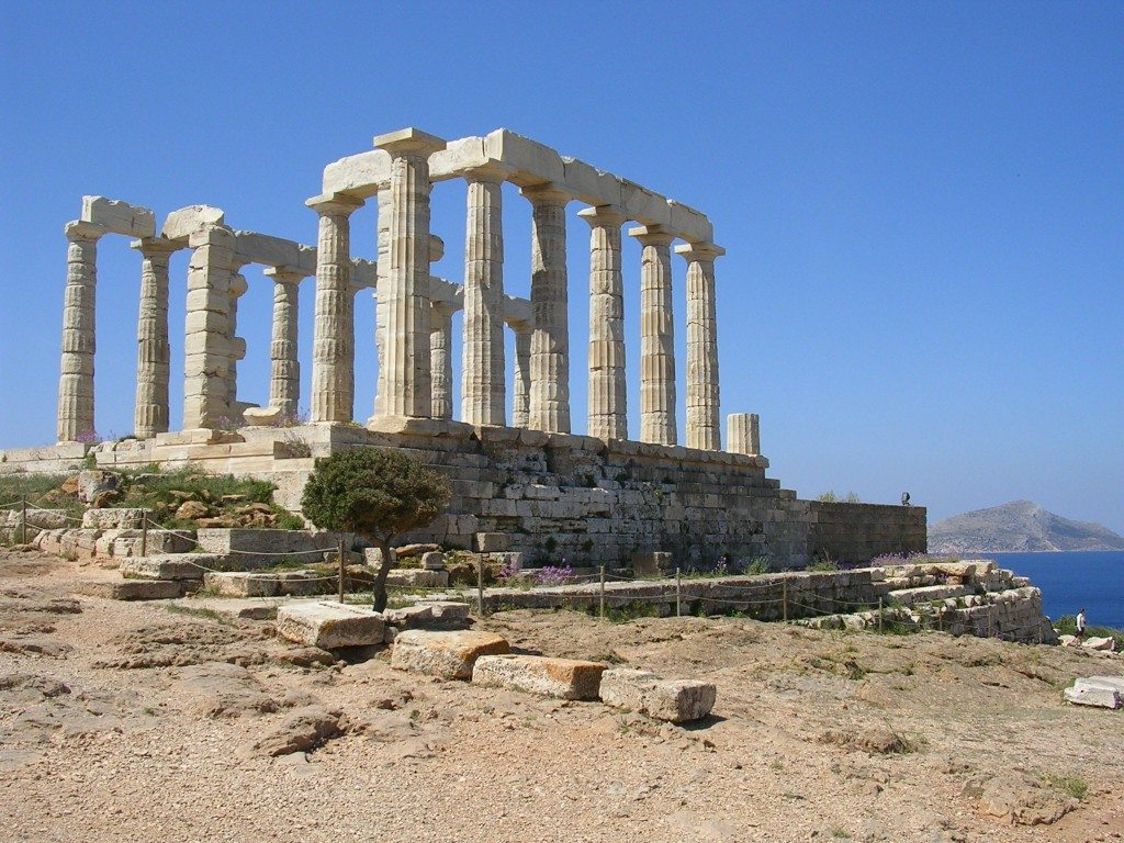 Temple of Poseidon (444-440 BCE), Sounion, Greece. With 6 columns on the façades and 13 on the long sides, each has only 16 flutes rather than the usual 20, perhaps an attempt by the architect to reduce weathering in such an exposed site.