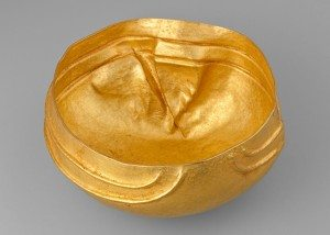 Bowl. Surigao Treasure, Surigao del Sur province. Ca. 10th–13th century. Gold. H. 3 5/8 x Diam. 6 11/16 in. (9.2 x 17 cm). Ayala Museum, 81.5179. Photography by Neal Oshima; Image courtesy of Ayala Museum. An object uncovered by Berto Morales in 1981.