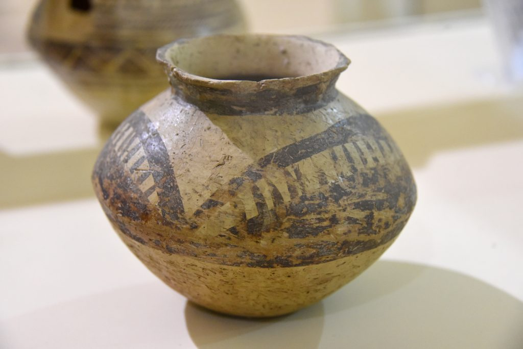 Painted pottery jar. From Mesopotamia, modern-day Iraq; precise provenance of excavation is unknown. Halaf period, 4900-4300 BCE. Erbil Civilization Museum, Iraqi Kurdistan. Photo © Osama S. M. Amin.