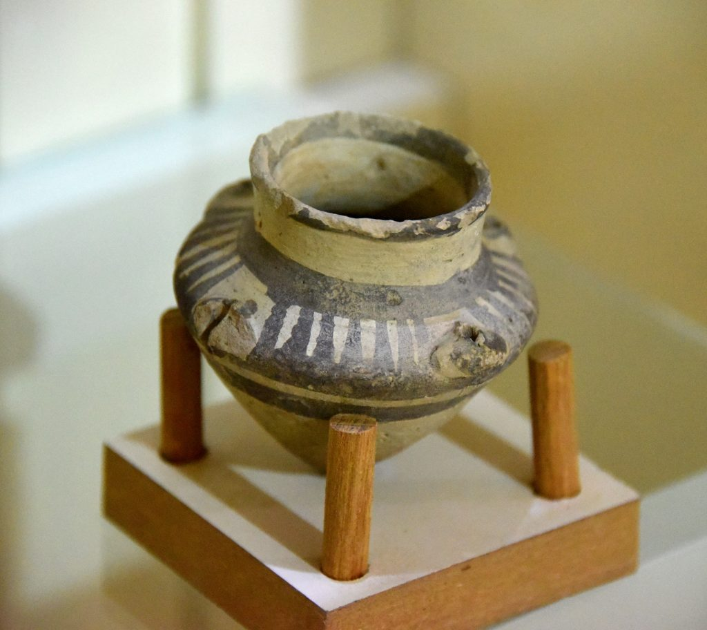 This small pottery jar dates back to the Ninevite V period. Circa 2900-2800 BCE. From Northern Mesopotamia, Iraq; precise provenance of excavation is unknown. Erbil Civilization Museum, Iraqi Kurdistan. Photo © Osama S. M. Amin.
